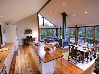 """Newhaven"" - An amazing country home. - Kangaroo Valley vacation rentals"