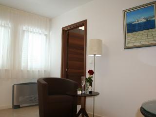 Romantic 1 bedroom House in Splitska - Splitska vacation rentals