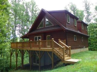 Lovely 3 bedroom Valle Crucis Cabin with Internet Access - Valle Crucis vacation rentals