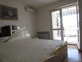 Apartment house OLGA(1999-5187) - Makarska vacation rentals