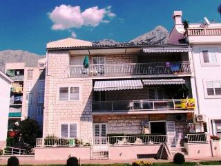Apartment house OLGA(1999-5253) - Makarska vacation rentals