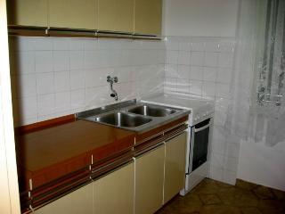 LJILJANA(212-502) - Pag vacation rentals