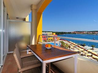 APARTHOTEL DEL MAR(2128-5468) - Banjole vacation rentals