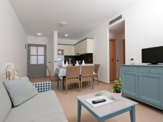 APARTHOTEL DEL MAR(2128-5472) - Banjole vacation rentals