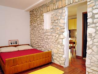 Nice 1 bedroom House in Rabac - Rabac vacation rentals