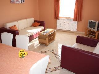 Cozy 2 bedroom Vacation Rental in Zbandaj - Zbandaj vacation rentals