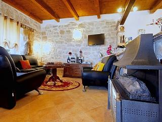 Beautiful 2 bedroom House in Zbandaj - Zbandaj vacation rentals