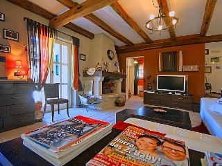 Writers and readers(2224-5672) - Sveti Lovrec vacation rentals