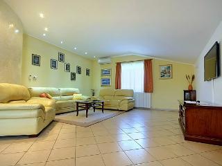 House Sabrina(2225-5673) - Tar vacation rentals
