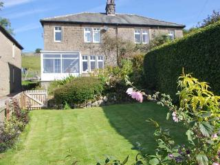 FELLSIDE, WiFi, woodburner, period cottage in Appletreewick Ref. 27212 - Appletreewick vacation rentals