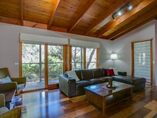 Anakie Lodge - Rosebud vacation rentals