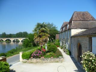 Nice 2 bedroom Bed and Breakfast in Saint-Cyprien - Saint-Cyprien vacation rentals