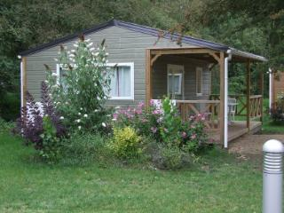 Cozy 2 bedroom Moncontour Chalet with Deck - Moncontour vacation rentals