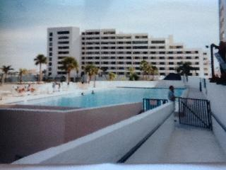 GULF ISLAND BEACH AND TENNIS CLUB TOP FLOOR CONDO - Hudson vacation rentals
