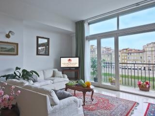 Vacation Rentals at Ponte Vecchio Terrace in Florence - Florence vacation rentals