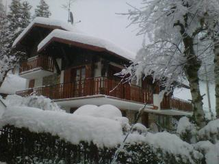 Nice Bed and Breakfast with Balcony and Central Heating - Gromo vacation rentals