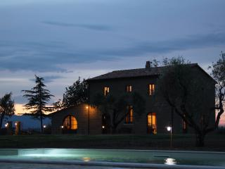 Nice Farmhouse Barn with Internet Access and Satellite Or Cable TV - Sorano vacation rentals