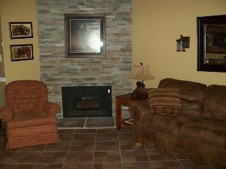 One Bedroom Condo in Downtown Gatlinburg (Unit 510) - Gatlinburg vacation rentals