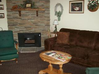 One Bedroom Condo in Downtown Gatlinburg (Unit 605) - Gatlinburg vacation rentals