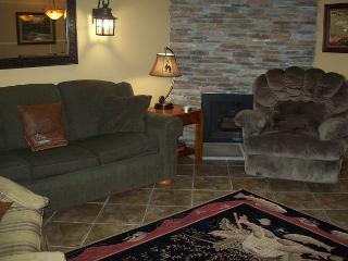 One Bedroom Condo in Downtown Gatlinburg (Unit 702) - Gatlinburg vacation rentals