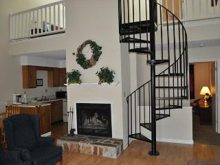 Three Bedroom Townhouse in Downtown Gatlinburg (Unit 502) - Gatlinburg vacation rentals