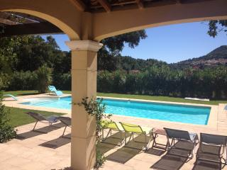 4 bedroom Villa with Internet Access in La Garde-Freinet - La Garde-Freinet vacation rentals