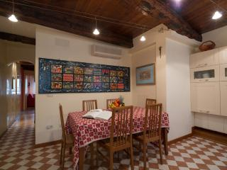 apartment 3 min from Piazza San Marco (Venice), bright overlooking canal - Venice vacation rentals