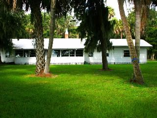 Paradise Point: A Peaceful Place to Stay - Lake Wales vacation rentals