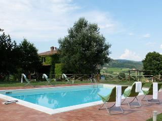 Tuscany/Umbria farmhouse, Private pool, wifi & A/C - Fabro vacation rentals