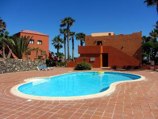 central apartment in private residence with pool - Corralejo vacation rentals