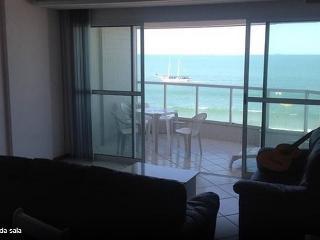 Praia do Morro - FRENTE PARA O MAR! - Guarapari vacation rentals