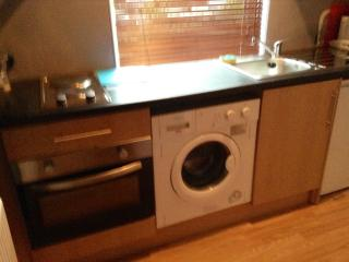 Whitley Bay Studio Apartment Sleeps 2 & pet - Whitley Bay vacation rentals