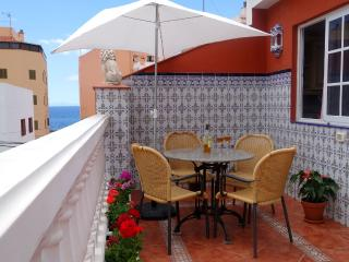 Cozy Apartment Terrace & Beach WiFi - San Andres vacation rentals