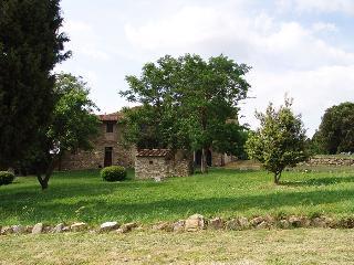 Campoli - Type Quadri Classic 6 Pax 3 Bagni - Montefiridolfi vacation rentals