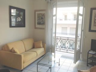 Luxury 2 BR seaview, La Croisette, Palais Miramar - Cannes vacation rentals