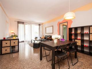 Colourful & Central Rooms - WIFI - Barcelona vacation rentals