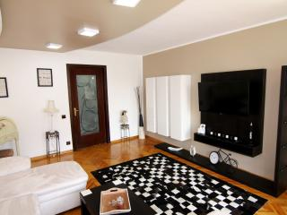 """CHARISMA"" 2  Bedroom Apartment Center Bucharest - Bucharest vacation rentals"