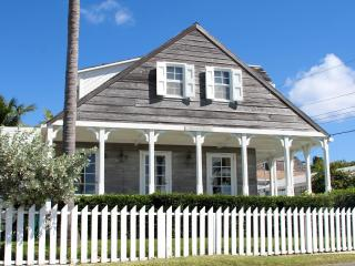 Nice House with A/C and Balcony - Dunmore Town vacation rentals