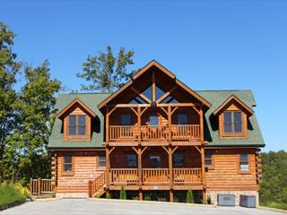 Perfect for Reunions/Retreats W/ Room for 33, Stadium Style Theater, Dogs OK - Sevierville vacation rentals
