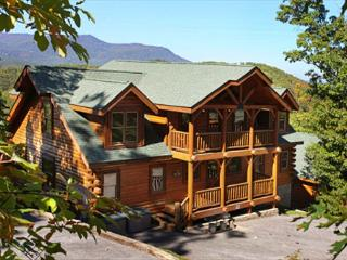 Falling Stars View, Game Room, Unlimited DVD Rentals, Sleeps 12, Dogs OK - Sevierville vacation rentals