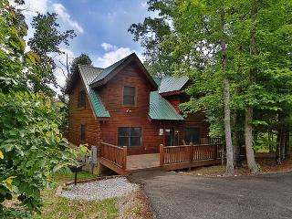 Mountain Majesty a two bedroom cabin sleeping eight. With free WiFi internet. - Sevierville vacation rentals