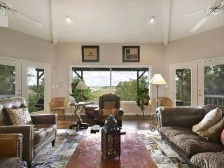 2BR/2BA Serene Hill Country Home on Lake Travis with Hot Tub, Sleeps 8 - Spicewood vacation rentals