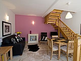 Perfect 2 bedroom Cottage in Knaresborough with Internet Access - Knaresborough vacation rentals