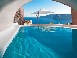 Blue Villas | Glauke | Luxury Villa in Oia - Oia vacation rentals