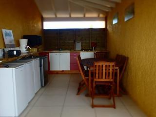Les chambres Jade ou Rubis ou Ambre - Sainte Anne vacation rentals