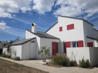 Maison de bord de mer (40m de la plage) - Batz-sur-Mer vacation rentals