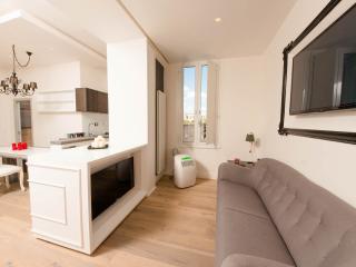 Elegant flat near Colosseum - Rome vacation rentals
