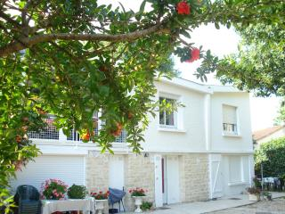 Appartement (T2) ROYAN - proche plage et commerces - Royan vacation rentals