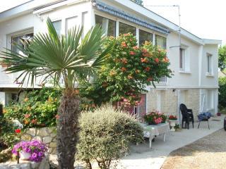 Studio 2 pièces ROYAN - proche plage et commerces - Royan vacation rentals