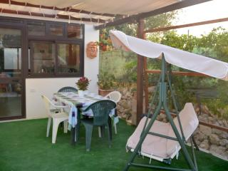 Nice Chalet with Television and Parking - Noto vacation rentals